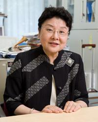 内田伸子先生