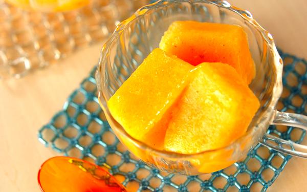 濃厚な口どけが新鮮! 「柿のキュービックアイス」