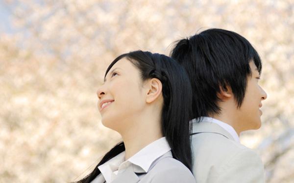 処女といえない百絵に注目。東京版SATCな漫画『9時から5時まで』