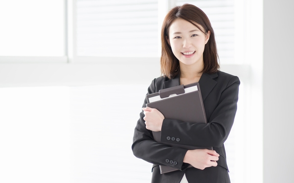手のひらサイズのスティック型PC「m-Stick」で、仕事もプライベートもスマートに