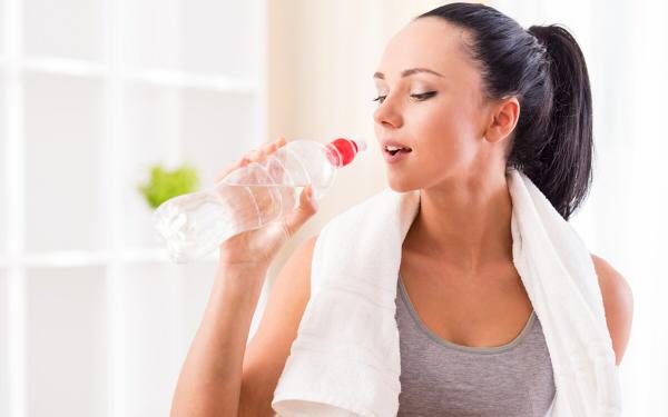 水の摂り方でカラダは変わる! 体質や目的に合わせてお水を選ぼう