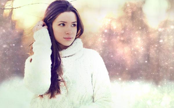 雪景色の中の女性