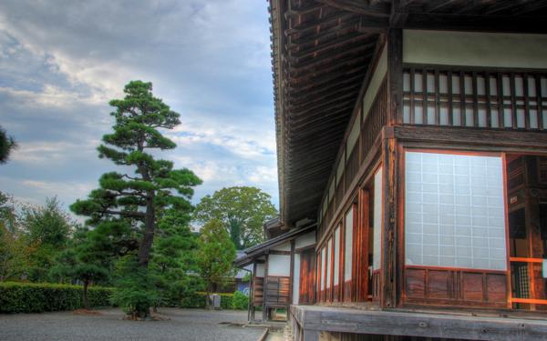 日本家屋がある風景
