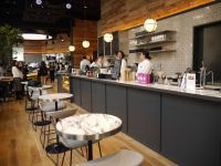 BMWとDEAN & DELUCA が異業種コラボ! 東京駅にカフェ誕生