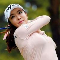 美女ゴルファー「日韓バスト杯」競艶ラウンド!(1)フェロモン全開で大人気のアン・シネ