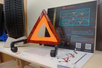 三角表示板も勝手に走り出す時代へ!? グッドデザイン賞を受賞した斬新なロボとは!?