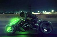 【ビデオ】実現に一歩前進? カワサキが変形電動3輪コンセプト「J」の最新映像を公開!