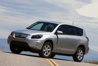 トヨタ、小型SUV「RAV4」の電気自動車をアメリカで発売!