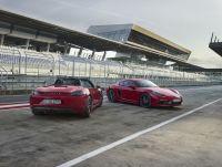 【新車】パワーは先代を上回る356ps/430Nmを発揮。新型ポルシェ・ボクスター/ケイマンGTSが登場