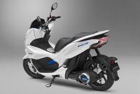 2018年発売予定のホンダ・PCX ELECTRICは未来感ありすぎる125cc区分の電動バイク!