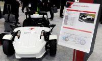 【オートモーティブワールド2018】豊田通商グループが2人乗りの小型EV「リバーストライク」を出展