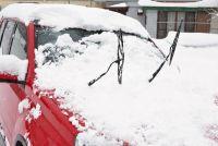 【豆知識】雪の日に駐車するならワイパーを立てたほうが良いって本当?