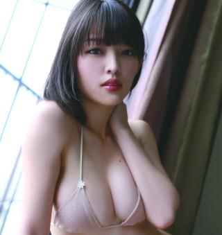 安藤遥さんのビキニ