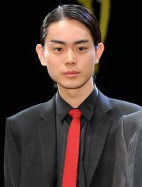 菅田将暉、「仮面ライダー」出演は兄弟に内緒だった