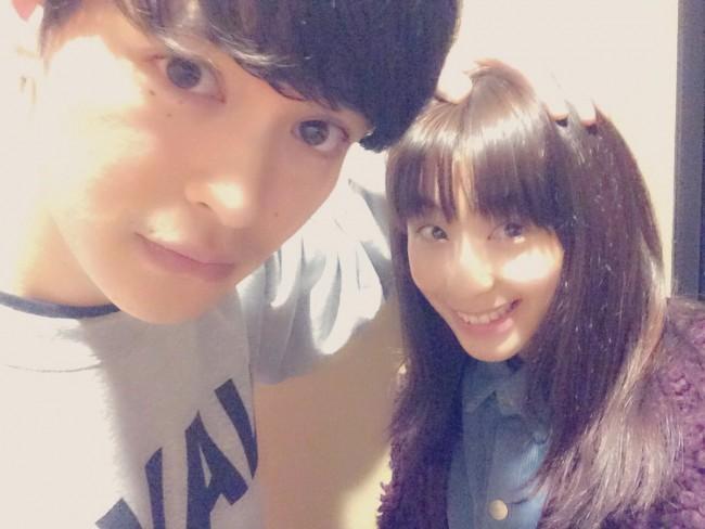 現在女優として活躍中の瀬戸さおりが、自身のツイッターにて兄・瀬戸康史との2ショット写真を公開。瀬戸さおりは兄が出演している舞台『遠野物語奇ッ\u2026