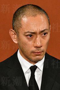 """小林麻耶とディズニーで""""不謹慎""""の声 「海老蔵」再婚は許されるのか"""
