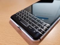 BlackBerry KEYone 詳細レビュー、キーボードの使い勝手やカメラ性能をチェック