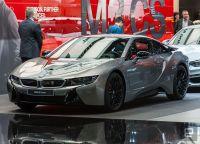BMW、新型i8クーペを北米国際オートショーで公開。パワートレイン強化しEVモード航続距離も延長