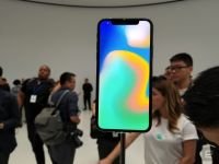 iPhone X、初回出荷はわずか2〜300万台?従来の数分の一、11月以降は改善 (KGI予測)