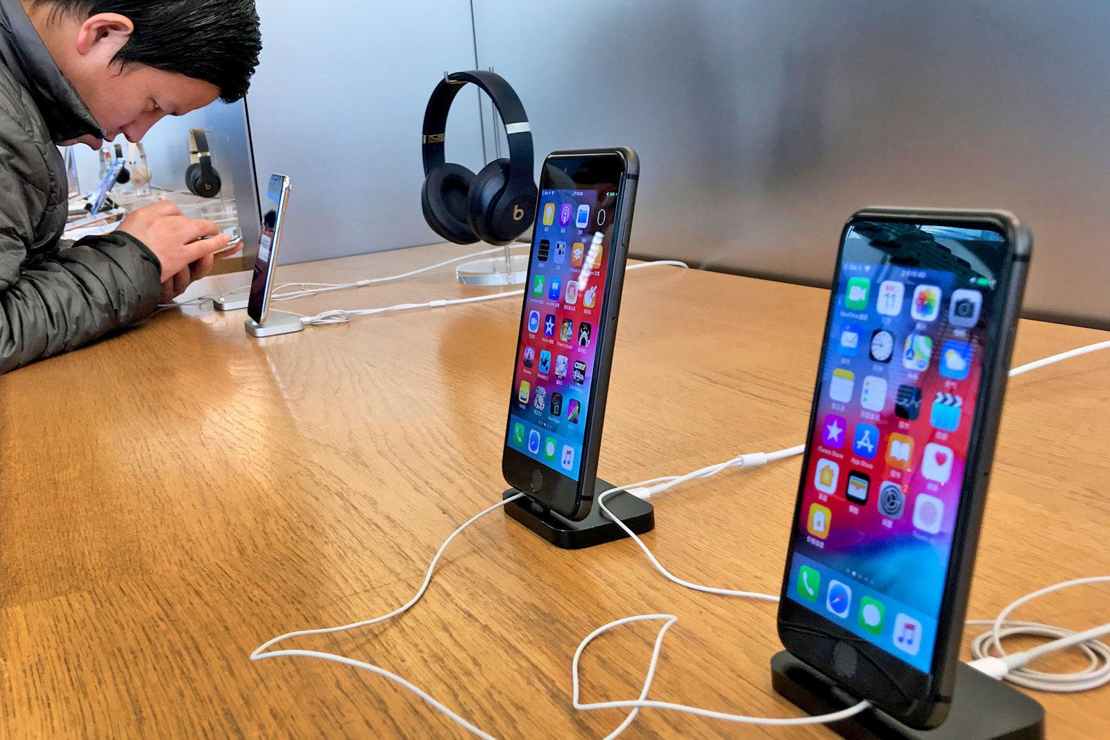 独裁判所、一部iPhoneの販売差し止めへ。アップルによるクアルコムの特許侵害認める
