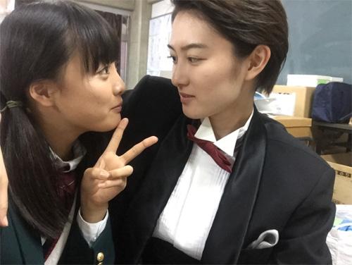 """大友花恋、""""イケメン様""""こと高月彩良にメロメロ! (2018年4月24日 ..."""