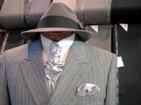 なぜ、老紳士はスーツと帽子をセットで着こなすのか?
