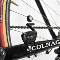 自転車に取り付け、「ペダル回転数」「走行時間」「斜度」等を表示させるセンサー