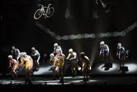 舞台で自転車!? 『弱虫ペダル』の斬新かつ大胆な挑戦
