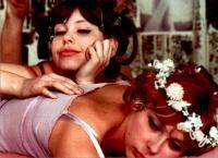 60年代のチェコ映画『ひなぎく』が今なお人気の理由とは?