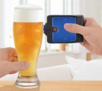 グラスに当てると、泡がシュワッ! 超音波でビールの泡を立ち上らせてみた