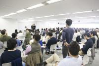 Google社も採用する受講料10万円超の「瞑想研修」を体験してみた