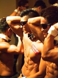 筋肉マッチョのイケメン集団に囲まれる夢のような体験でキュン♡