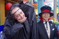 ハロウィンパレードのコスプレが物凄いタカラトミー 社長は首無し男に