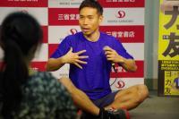 サッカー日本代表・長友佑都にヨガを教わってきた 平愛梨も一緒に「ヨガ友」することも