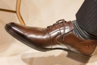 「履いていれば伸びますよ」は本当? きつめの革靴を買うのはアリなのか