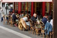 「フランスのレストランは1人で入ると奇異の目」は本当か?