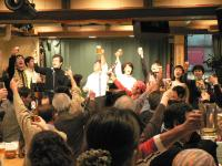 なぜ昭和の文化「歌声喫茶」が再び人気なのか