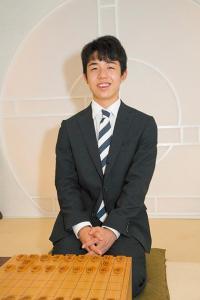 """天才棋士「藤井四段」インタビュー プロへの""""一歩""""を振り返る"""