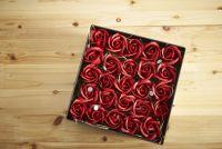 「箱入りのバラ」で年商8億円、NYの女性起業家の新ビジネス