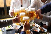 なぜ社員の飲み代を会社が負担するのか? 補助制度の狙いと効果