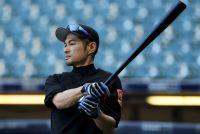 注目浴びる44歳イチローの来季 マーリンズは今週決断か MLB公式サイト特集