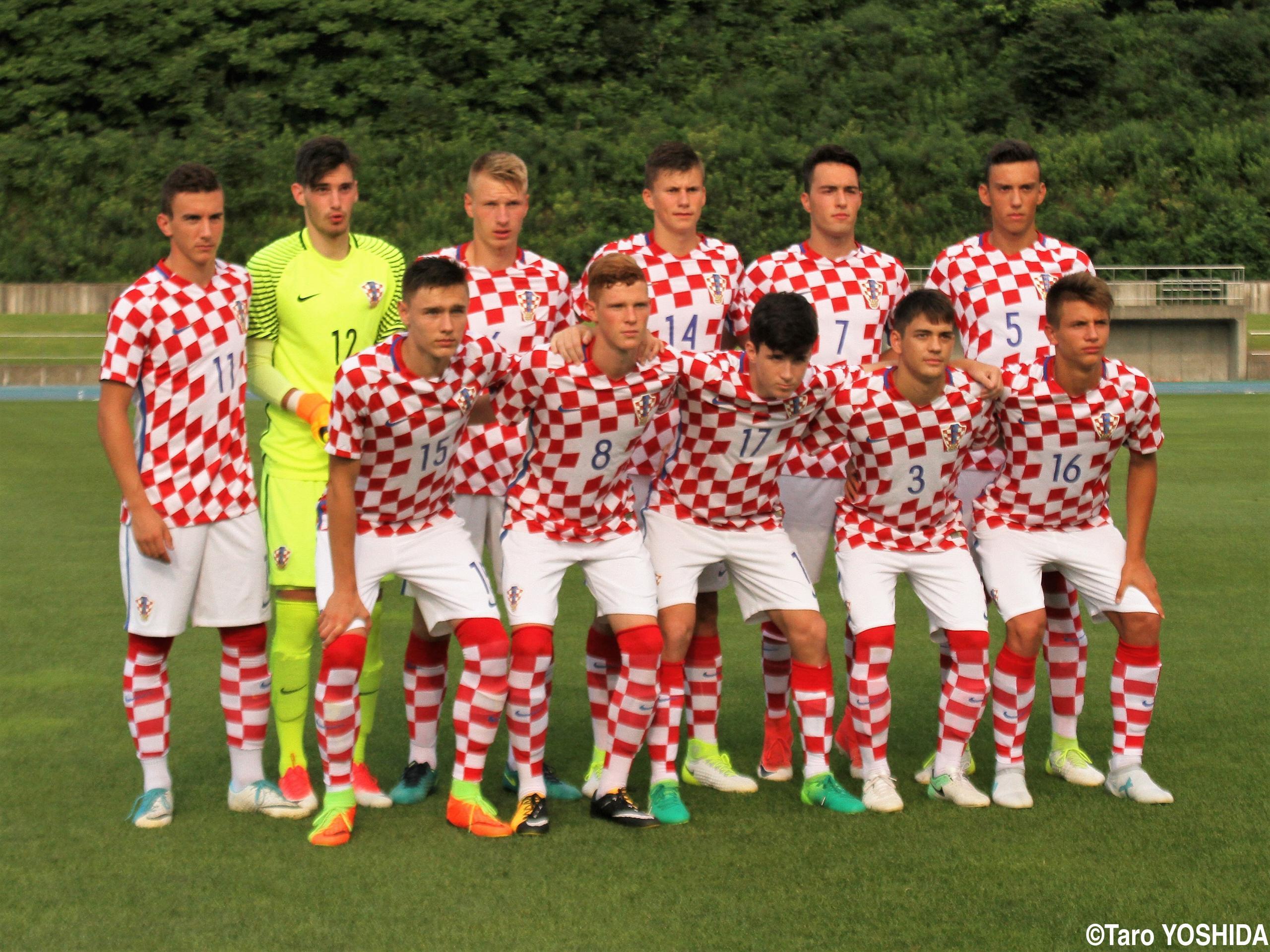 98年W杯3位メンバーのロベルト・ヤルニ監督率いるU-17クロアチア代表、U-17日本代表とドロー(4枚)