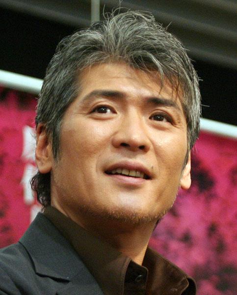 歌手のほか俳優としても活躍中の吉川晃司(52)のデビュー秘話とプロ魂が反響を呼んでいる。1984年のシングル「モニカ」から、ヒット曲連発の売\u2026