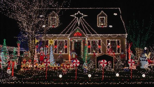 クリスマス満開! アメリカの自宅イルミネーショングッズ 2012年12月14日 エキサイトニュース 1 4