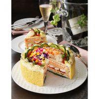お値段10800円のデコレーションケーキのようなピラフ