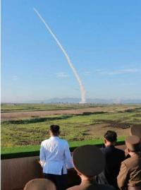 北朝鮮ミサイル 隠岐の島沖300kmのEEZ内に落下か?「具体的行動を」安倍首相