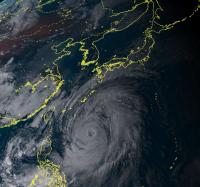 台風21号が超大型化!「重大災害のおそれ」厳重警戒を呼びかけ 気象庁