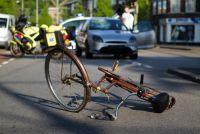 ながらスマホ自転車運転で死亡事故…なぜ書類送検で済んだ?