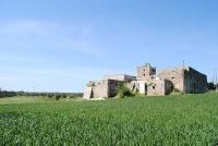 イタリア政府「タダでお城あげます」 ただしそれには条件が……