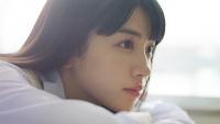 永野芽郁、カルピスウォーターの新CMで魅せたブレザー服 「青春」の2文字が似合いすぎ